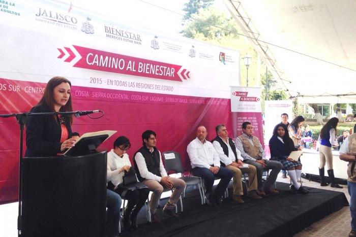 """Imagen alusiva a la nota Inicia el programa """"Camino al Bienestar 2015"""" en Zapotlán El Grande"""
