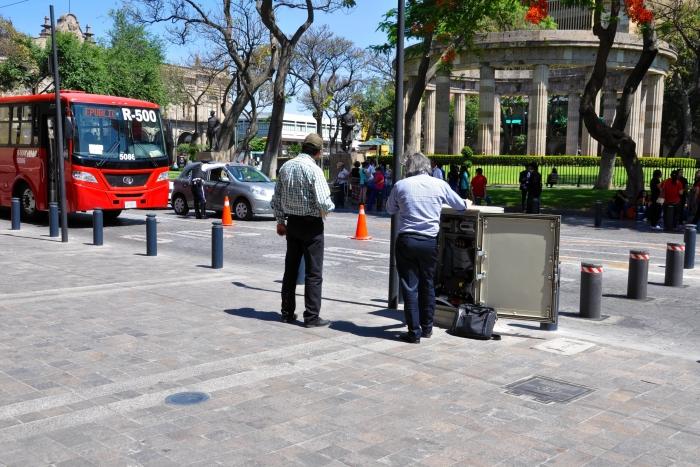 Imagen alusiva a la nota Entrarán en función bolardos retractiles en avenida Hidalgo y Liceo