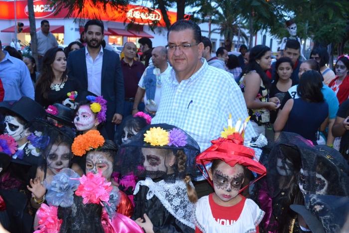 Imagen alusiva a la nota Inaugura el secretario de Educación la Vía de la Catrina en el Paseo Chapultepec