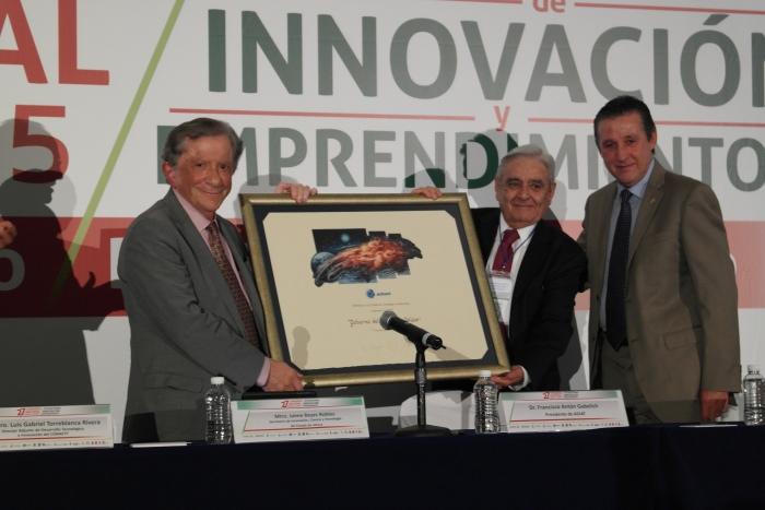 Imagen alusiva a la nota Reconoce ADIAT a Jalisco con el Distintivo a la Gestión de la Tecnología e Innovación