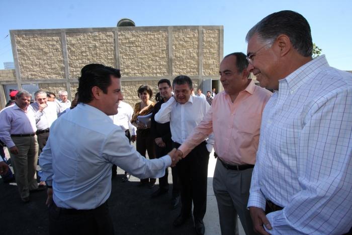 Inaugura Aristóteles Sandoval la primera estación de gas natural